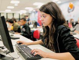 Ensino de programação é aposta de colégios em todo o mundo