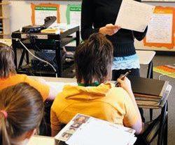 Salários mais altos para professores influenciam resultados dos alunos