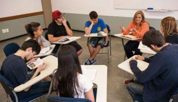 Como estimular alunos do ensino médio a explorar o mundo literário