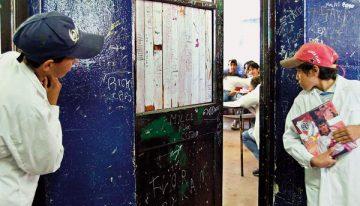 Província de Buenos Aires, maior rede pública da Argentina, adota medidas polêmicas para inclusão de estudantes na escola primária