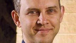 Plataformas adaptativas não vão revolucionar a educação, diz professor de Stanford