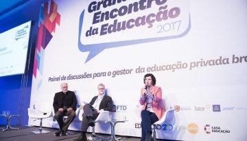 """""""Nem a escola deve dizer como família deve agir, nem a família deve exigir que a escola atenda às suas solicitações"""", avalia Luciana Fevorini"""