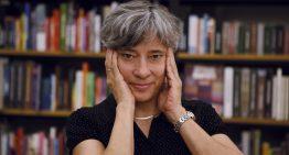Autora do premiado 'Anatomia do paraíso' fala sobre sua relação com a leitura e sua experiência como professora