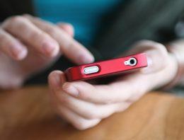 Enquete: dê sua opinião sobre o uso das redes sociais no processo de ensino e aprendizagem