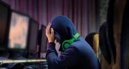 """Pais e professores devem """"adiar o máximo possível o contato dos filhos com os meios eletrônicos"""", sugere professor da USP"""