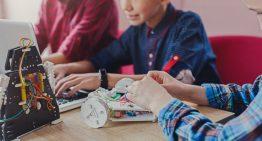Movimento maker: alunos se tornam produtores de conhecimentos e objetos