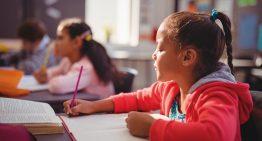 Crianças de diferentes níveis socioeconômicos não avançam igualmente na aprendizagem