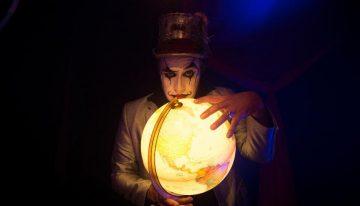FTD Educação homenageia professores com música inédita de O Teatro Mágico