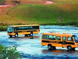 Os difíceis percursos do transporte escolar no Brasil