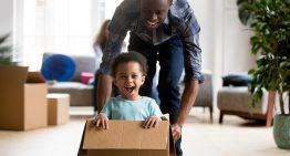 Quatro efeitos positivos de aprender brincando em família