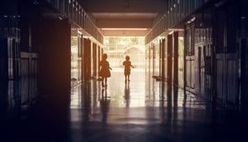 Exigir que todas as escolas reduzam a mensalidade em no mínimo 30% não é a solução