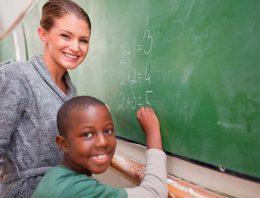 Os benefícios de uma tutoria para recuperar atraso de aprendizagem