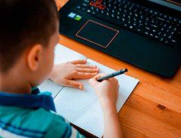 40% das escolas aplicam novas metodologias nas aulas digitais; evasão é maior na educação infantil