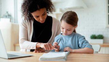 Tutoria digital, ponto fraco nas escolas